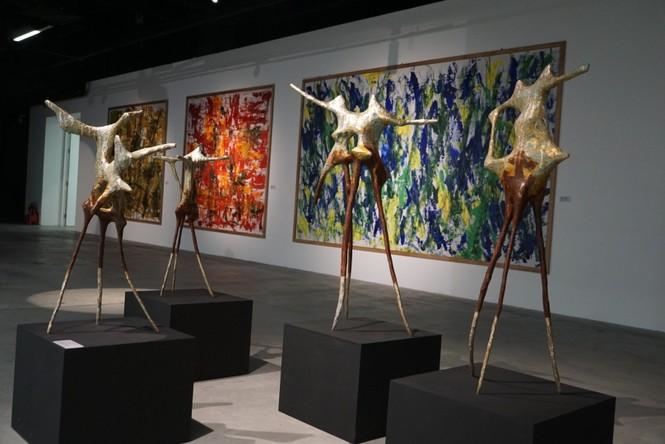 Ngắm những tác phẩm điêu khắc độc đáo của các nghệ sĩ tiêu biểu châu Á  - ảnh 3