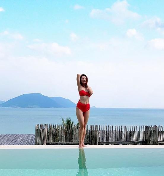 Bảo Thanh lại khiến dân mạng phát 'sốt' với ảnh bikini gợi cảm - ảnh 1