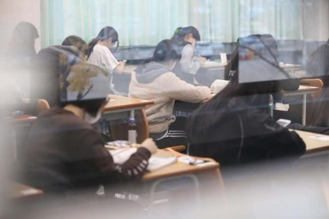 Một đời mắc 'bệnh bận', chỉ học và ôn thi ở Hàn Quốc - ảnh 1