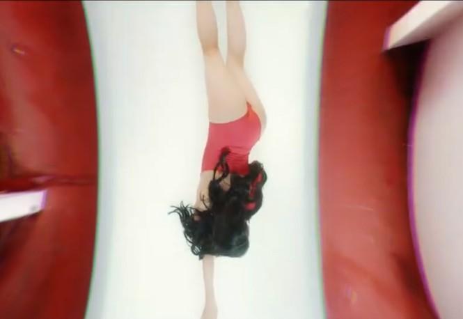 MV gợi dục phản cảm của hot girl 'Nóng cùng World Cup' bị gỡ bỏ - ảnh 2
