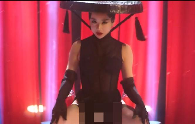 MV gợi dục phản cảm của hot girl 'Nóng cùng World Cup' bị gỡ bỏ - ảnh 3