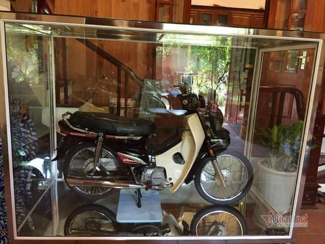 Đại gia Việt trưng xe trong tủ kính gây sốt - ảnh 6