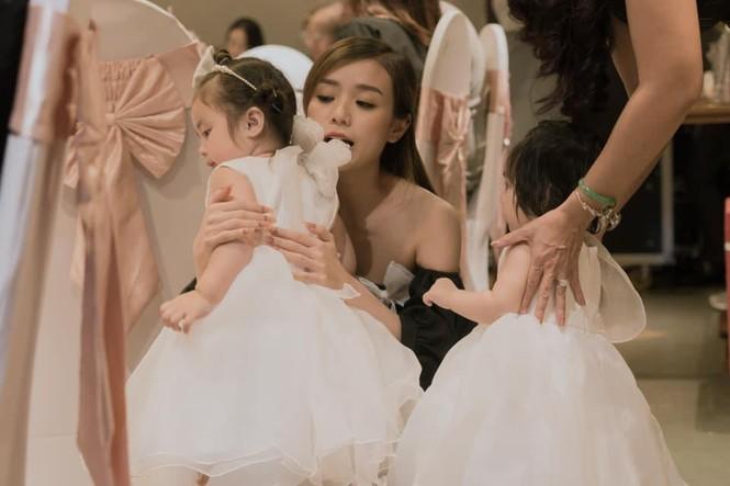 Dân mạng phát 'sốt' với gương mặt hai con gái của Hoài Lâm - ảnh 1