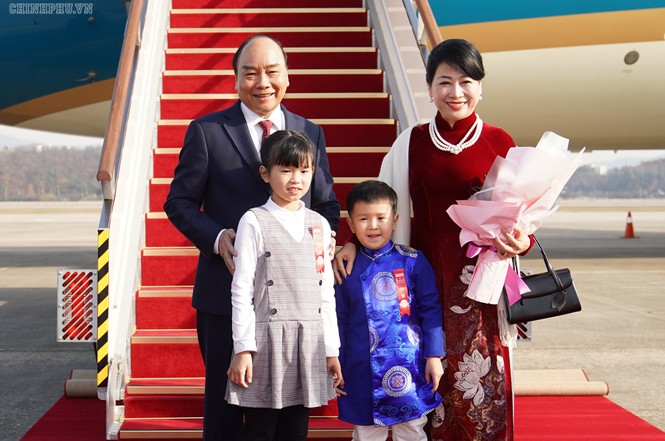 Lễ đón chính thức Thủ tướng Nguyễn Xuân Phúc tại Thủ đô Seoul, Hàn Quốc - ảnh 1