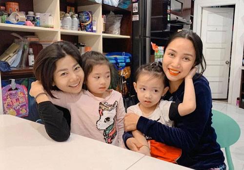 Showbiz 8/12: Mai Phương lại khiến khán giả lo lắng vì một bức ảnh - ảnh 1