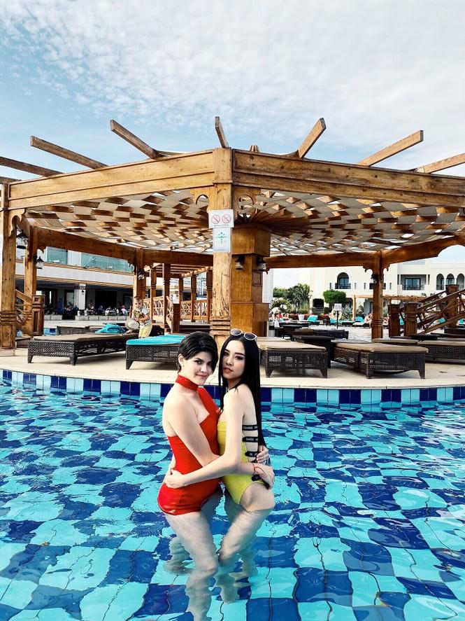 Á hậu Thúy An phô diễn vẻ đẹp khó cưỡng khi diện bikini tại Miss Intercontinenta - ảnh 9