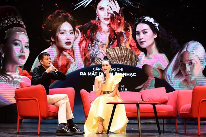 Lê Hoàng nhận xét bất ngờ về Ngọc Trinh và clip nóng của Ngân 98 - ảnh 1
