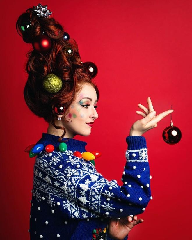 Cộng đồng mạng thế giới rộ mốt làm tóc dựng đứng như cây thông Noel - ảnh 10