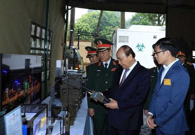 Thủ tướng, Chủ tịch Quốc hội dự kỷ niệm 75 năm Ngày thành lập quân đội - ảnh 10
