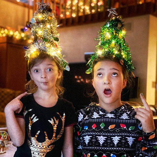 Cộng đồng mạng thế giới rộ mốt làm tóc dựng đứng như cây thông Noel - ảnh 11