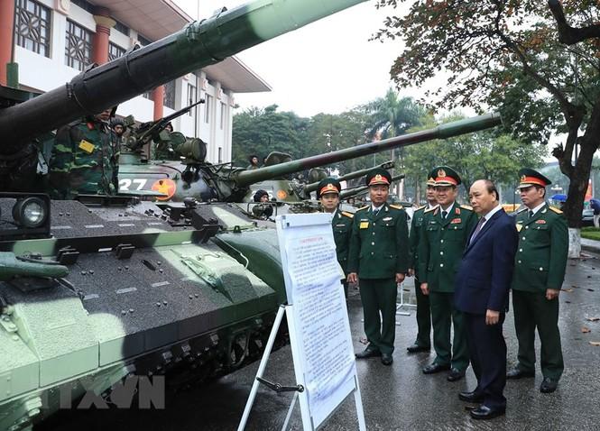Thủ tướng, Chủ tịch Quốc hội dự kỷ niệm 75 năm Ngày thành lập quân đội - ảnh 2