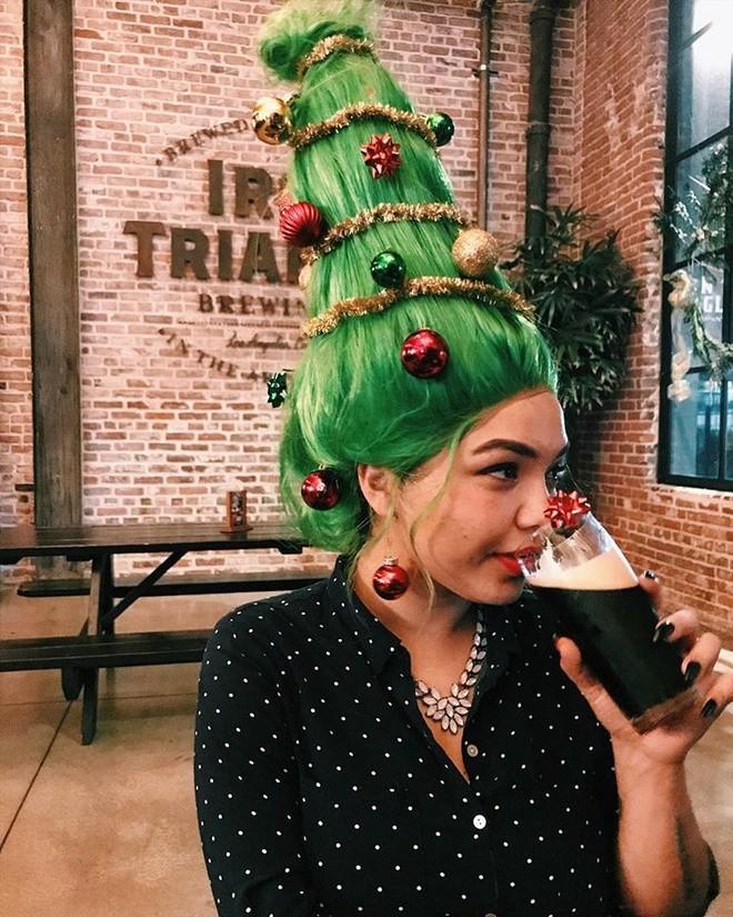Cộng đồng mạng thế giới rộ mốt làm tóc dựng đứng như cây thông Noel - ảnh 2