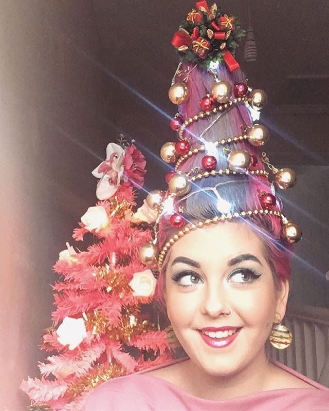 Cộng đồng mạng thế giới rộ mốt làm tóc dựng đứng như cây thông Noel - ảnh 5