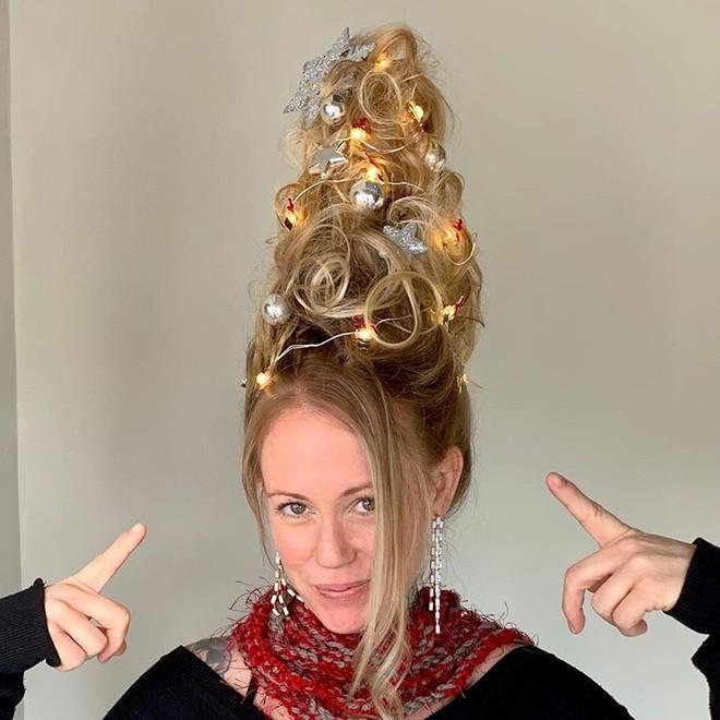 Cộng đồng mạng thế giới rộ mốt làm tóc dựng đứng như cây thông Noel - ảnh 6