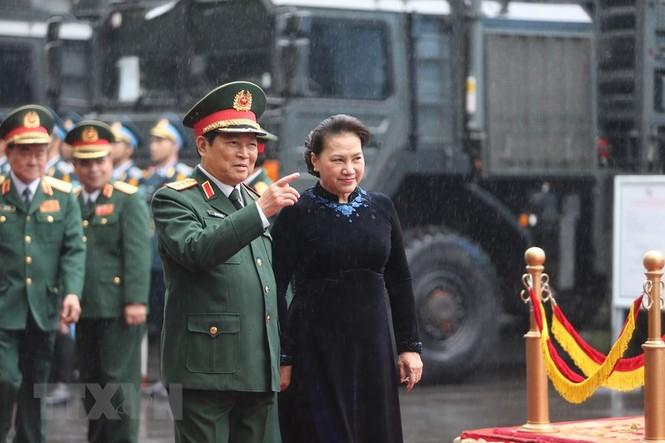 Thủ tướng, Chủ tịch Quốc hội dự kỷ niệm 75 năm Ngày thành lập quân đội - ảnh 8