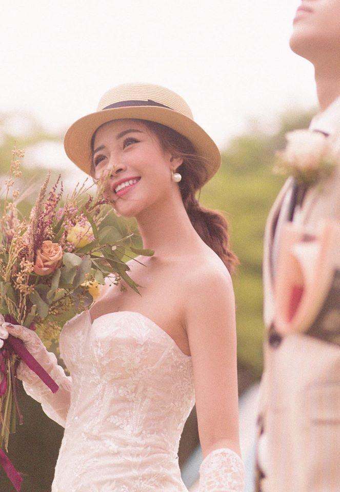 'Lóa mắt' vì số vàng mà bạn gái hot girl của Phan Văn Đức đeo trong lễ ăn hỏi - ảnh 3