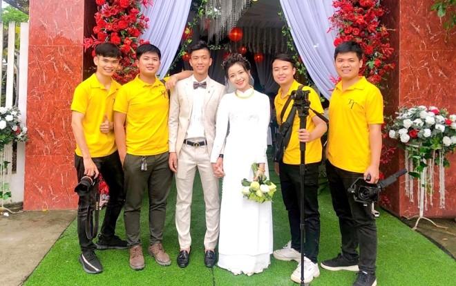 'Lóa mắt' vì số vàng mà bạn gái hot girl của Phan Văn Đức đeo trong lễ ăn hỏi - ảnh 2
