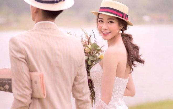 'Lóa mắt' vì số vàng mà bạn gái hot girl của Phan Văn Đức đeo trong lễ ăn hỏi - ảnh 4