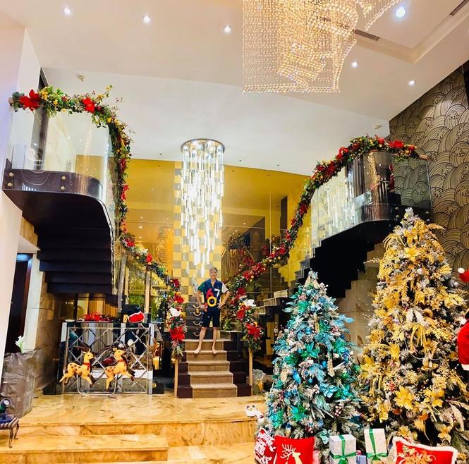 Phát 'sốt' với cách trang hoàng nhà cửa chuẩn bị đón Noel của sao Việt - ảnh 2