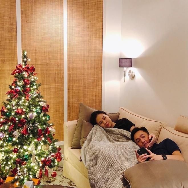 Phát 'sốt' với cách trang hoàng nhà cửa chuẩn bị đón Noel của sao Việt - ảnh 9