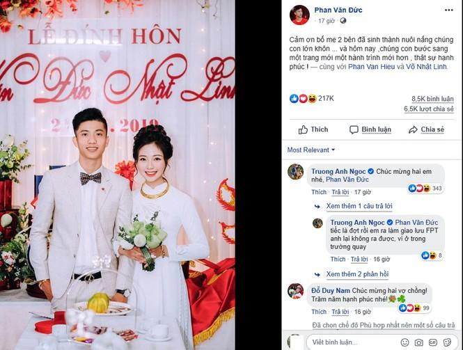 Câu cảm ơn sau lễ ăn hỏi bạn gái hot girl của Phan Văn Đức gây 'sốt' - ảnh 1