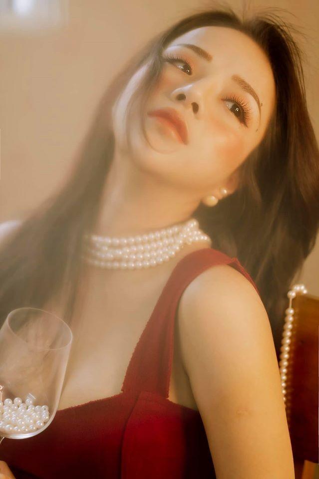 Mê mẩn ngắm bộ ảnh mừng Giáng sinh quyến rũ của bạn gái cũ Đặng Văn Lâm - ảnh 6