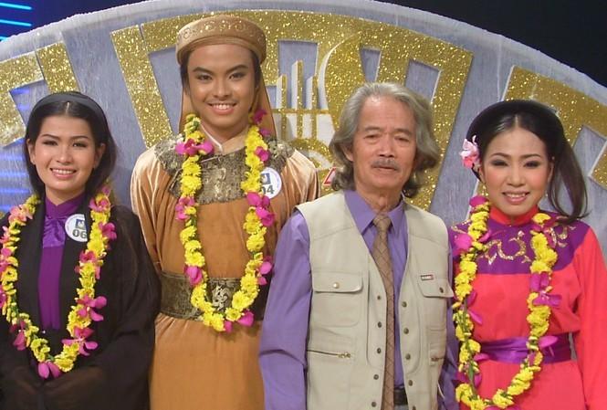 Showbiz 31/12: Vì sao Phương Mỹ Chi bất ngờ rời công ty Quang Lê? - ảnh 3