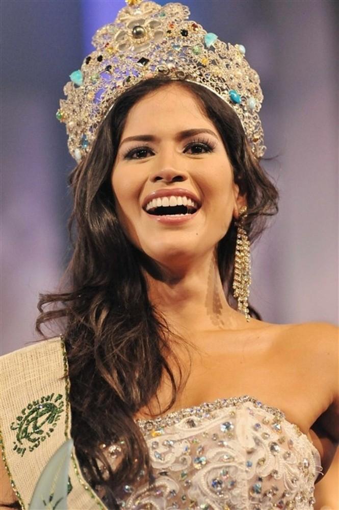 Hoa hậu Trái đất 2011 mắc COVID-19 - ảnh 2