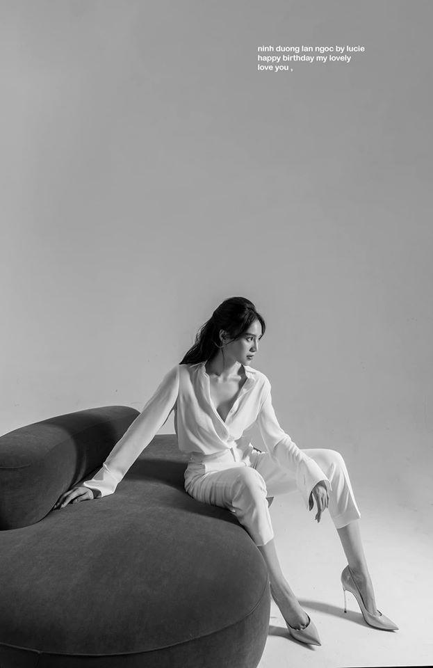 Mừng sinh nhật, Ninh Dương Lan Ngọc 'chiêu đãi' fan bằng hình ảnh siêu nóng bỏng  - ảnh 2