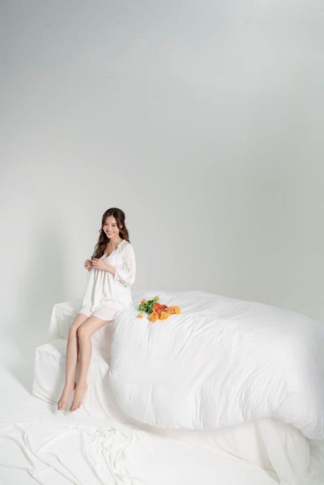 Mừng sinh nhật, Ninh Dương Lan Ngọc 'chiêu đãi' fan bằng hình ảnh siêu nóng bỏng  - ảnh 1