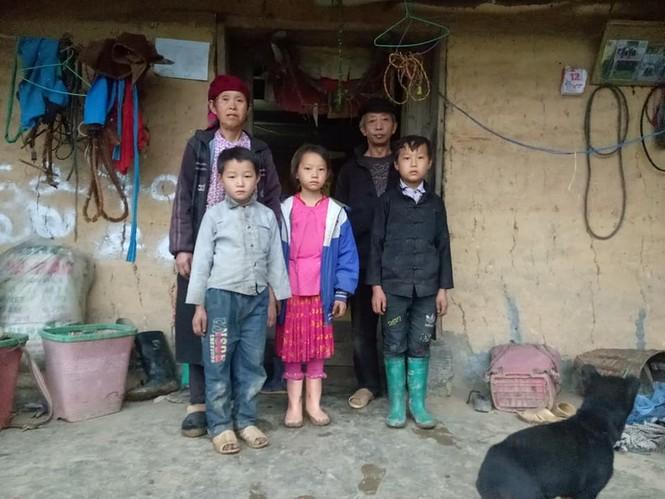 Cậu bé Hà Giang 12 tuổi cõng gạch cay kiếm 18.000 đồng/ngày được hỗ trợ hơn 40 triệu đồng - ảnh 4