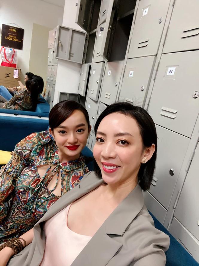 Bị đồn 'cặp kè đại gia, ngồi tiệc lấy tiền', nữ MC VTV6 phẫn nộ đáp trả - ảnh 4