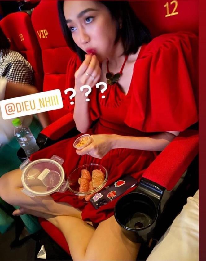 Thu Trang tung ảnh bikini, chồng 'tá hỏa': Đi vô mặc áo vào! - ảnh 8