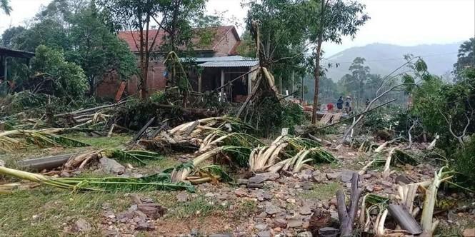 Cứu trợ đồng bào bị ảnh hưởng bão lũ ở Miền Trung: Chuyện gì đang xảy ra? - ảnh 2