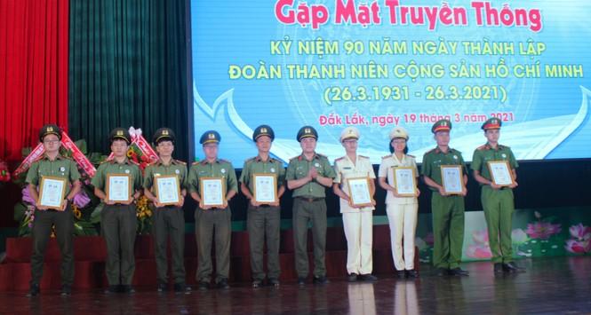 Đắk Lắk tuyên dương 32 thanh niên công an tiêu biểu - ảnh 3