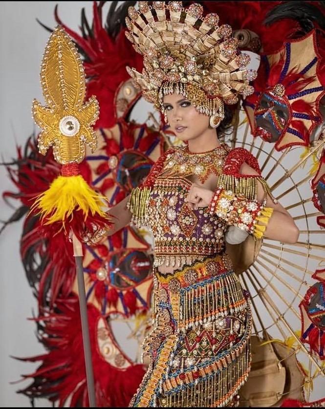 Nhan sắc ngọt ngào, quyến rũ của người đẹp lai đăng quang Hoa hậu Hoàn vũ Philippines - ảnh 3