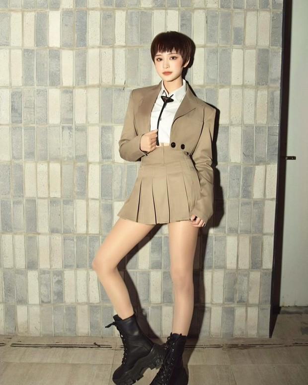 Hai nàng hậu Tiểu Vy, Kỳ Duyên 'đọ dáng' với váy đen bó sát - ảnh 5