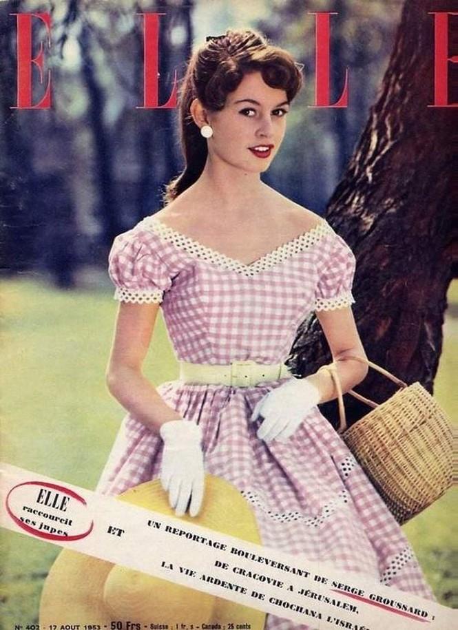 'Biểu tượng gợi cảm' Brigitte Bardot và những phong cách thời trang dẫn đầu xu hướng - ảnh 8