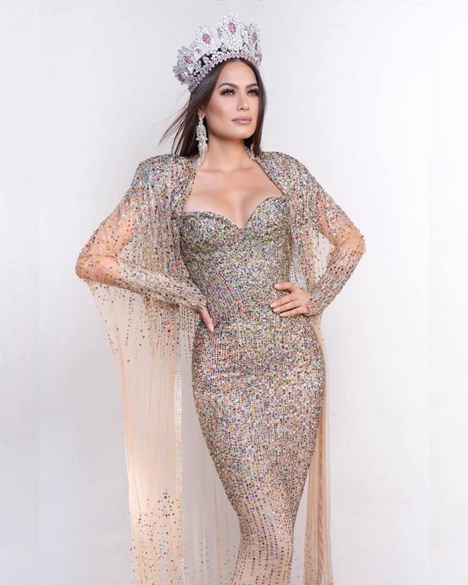 Kỹ sư phần mềm đăng quang Hoa hậu Hoàn vũ Mexico có sắc vóc cực nóng bỏng - ảnh 2