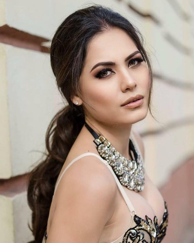 Kỹ sư phần mềm đăng quang Hoa hậu Hoàn vũ Mexico có sắc vóc cực nóng bỏng - ảnh 4