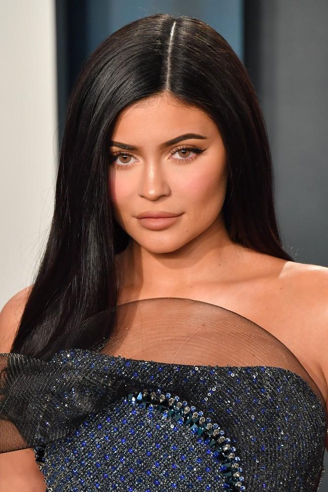 Em gái tỷ phú của Kim Kardashian đứng đầu top 10 nhân vật nổi tiếng thu nhập cao nhất 2020 - ảnh 1