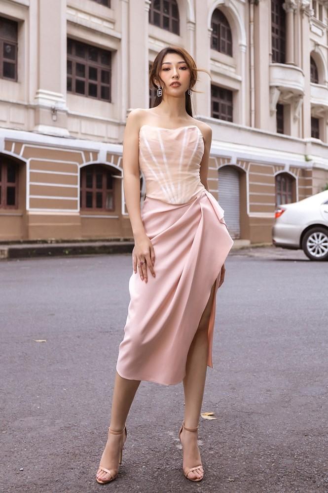 Hoa hậu Tiểu Vy, Đỗ Mỹ Linh mặc đẹp 'phủ sóng' mạng xã hội tuần qua - ảnh 11