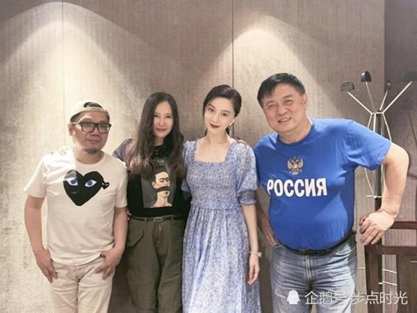 Nam đạo diễn Trung Quốc công khai có người yêu đồng giới kém 33 tuổi - ảnh 3