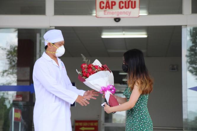 Bệnh nhân mắc COVID -19 thứ 154 xuất viện ở Cần Thơ - ảnh 1