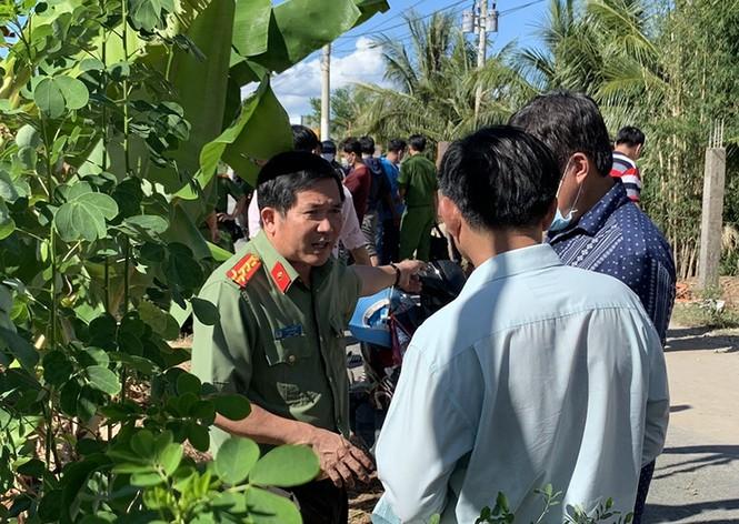 Cảnh sát vây bắt nhóm người chở 51 kg vàng lậu - ảnh 1