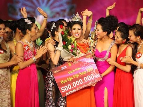 Hoa hậu Việt Nam không chấp nhận chuyện 'dao kéo' - ảnh 1