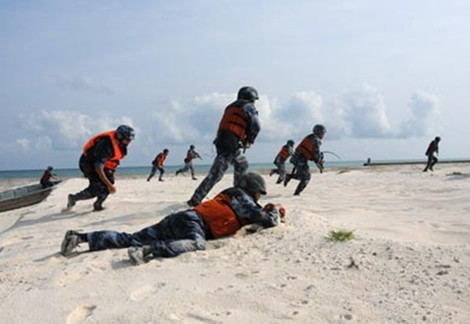 Quân đội Trung Quốc thực hành diễn tập đánh đảo