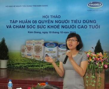 Bà Nguyễn Thị Mỹ Hòa  – Trưởng ban Nhãn hiệu, ngành hàng sữa bột của Vinamilk chia sẻ những thông tin hữu ích của các sản phẩm dinh dưỡng dành cho người cao tuổi