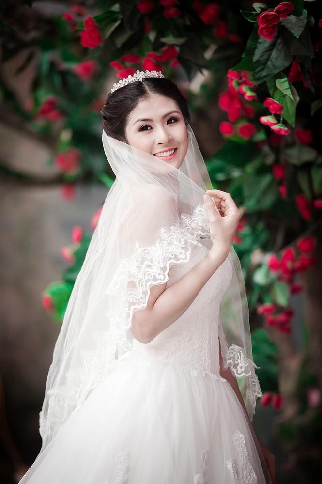 Ngọc Hân kiêu kỳ trong bộ váy cưới tự thiết kế - ảnh 6