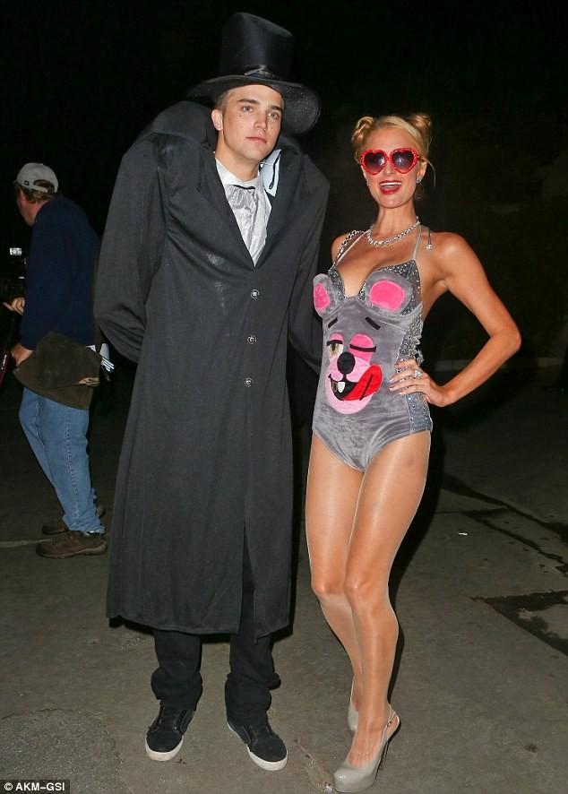 Paris Hilton cũng thích thành phiên bản - ảnh 1